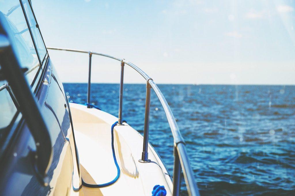 海洋散骨のプランや費用の目安