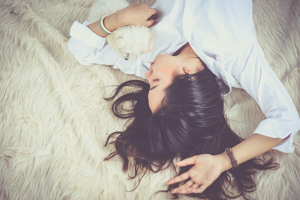 疲れを感じたら、早めに休む